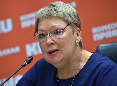 Ольга Васильева пообещала законодательно сократить отчетность учителей